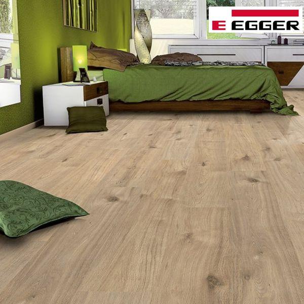 EGGER Basic Laminat Classic Achensee Eiche Click it EBL006